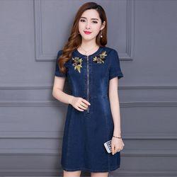 Đầm Jean Thêu Hoa Phối Dây Kéo Trước giá sỉ