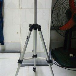 Chân máy ảnh 3 chân trippod