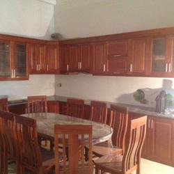 Tủ bếp quầy bán hàng bàn ăn chất liệu gỗ Sồi Nga xoan đào gỗ công nghiệp sản và bán hàng tại xưởng Vui lòng Kiều Định giá sỉ