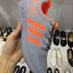 giày thể thao cực hot 2017
