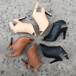 Giày boot gót nhọn khoá cài giá sỉ