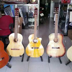 Đàn guitar giá rẻ cho sinh viên giá sỉ