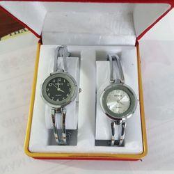Đồng hồ lắc thời trang nữ đủ mẫu