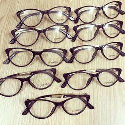 Mắt kính giả cận mắt mèo
