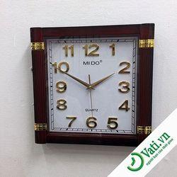 Đồng hồ treo tường hình vuông giả gỗ F4 - Nhận In quảng cáo lên đồng hồ treo tường