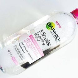 Nước tẩy trang Garnier Micellar Cleansing Water