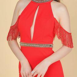Đầm body cổ yếm