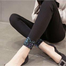 Quần kiểu có cườm chân HK nhé khách 09p2497878