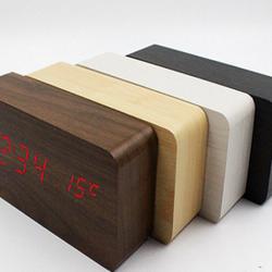 Đồng hồ gỗ trang trí để bàn giá sỉ
