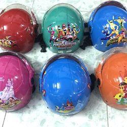Mũ bảo hiểm trẻ em có kính giá sỉ