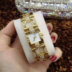 Đồng hồ dây lắc nữ thời trang giá sỉ