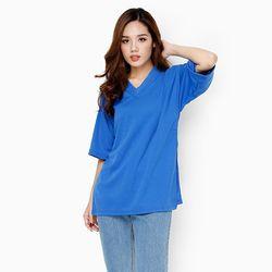 Áo thun nữ form rộng cổ tim xẻ tà cách điệu màu xanh