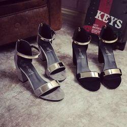 giày sandal ngang khóa cao gót giá sỉ