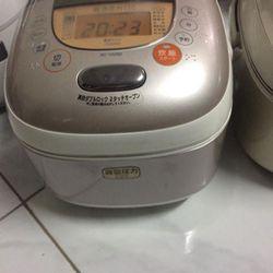 Nồi cơm điện cao tần Toshiba VIP-hút chân không áp suất Nấu cơm rất ngonđể cả tuần không thiu2 vanđời nhất của Toshiba giá sỉ