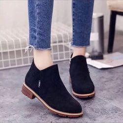 giày bốt nữ cá tính