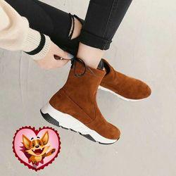 Giày bốt nữ