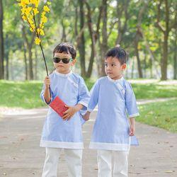 Áo dài cách tân trẻ em kèm quần kaki bé trai