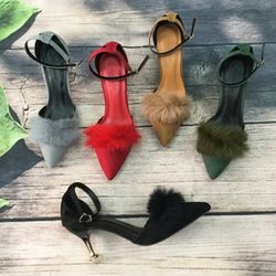 Giày sandal cao gót 5cm bít mũi dây cổ chân lông vũ giá sỉ