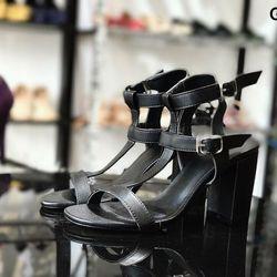 Sandal gót vuông dây chữ T