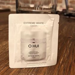 Gói sample Kem dưỡng trắng Ohu i Extreme White Cream