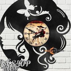đồng hồ treo tường mang phong cách châu âu giá sỉ