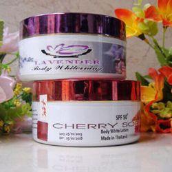 Kem dưỡng trắng da body Thái Lan cherry và Lavender giá sỉ