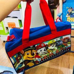 Túi duffle Paw Patrol Duffle Bag in nhựa bóng giá sỉ