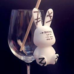 Thỏ trắng hydroxit giá sỉ