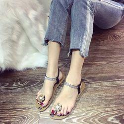 Giày sandal xỏ ngón nữ thời trang giá sỉ