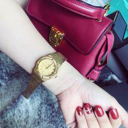 đồng hồ kim loại nữ giá sỉ