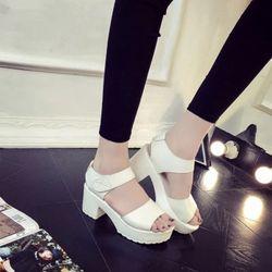giày sandal đế banh mì giá sỉ, giá bán buôn