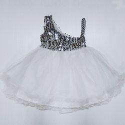 váy cô dâu bé gái hàng bán