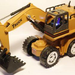 Xe máy múc Trucks điều khiển từ xa 8 chức năng giá sỉ