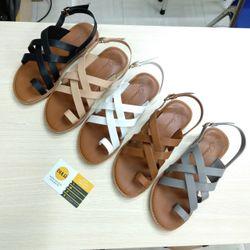 Giày sandal dép xỏ ngón 4 quai chéo giá sỉ