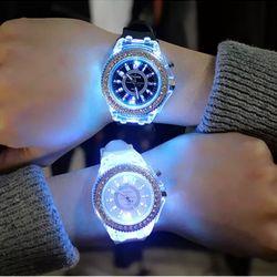 đồng hồ Led 7 màu giá sỉ