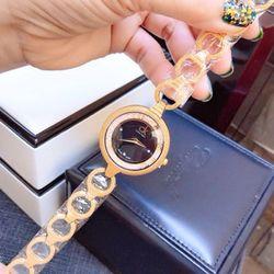 đồng hồ nữ dây lắc 34mm giá sỉ