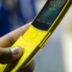 Điện thoại Nokia 8810 4G mới