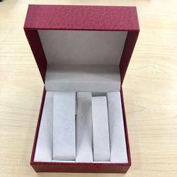 Hộp đựng đồng hồ cập 011 giấy giả da màu đỏ giá sỉ
