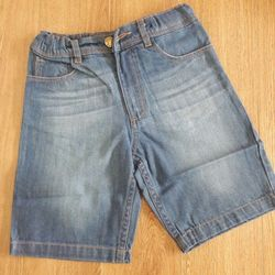 Quần short jeans cho bé giá sỉ