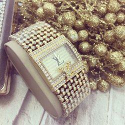 Đồng hồ kim loại xi vàng nữ giá sỉ