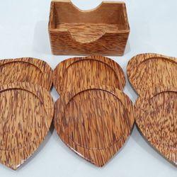 Bộ đế lót ly hình trái tim bằng gỗ dừa mỹ nghệ giá sỉ, giá bán buôn