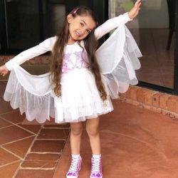Váy trắng thiên thần có cánh