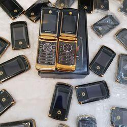 Motorola V8 gold kèm pin giá sỉ