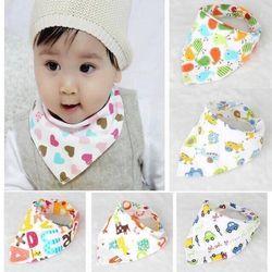 khăn yếm tam giác cho bé