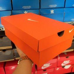 hộp giày giá sỉ