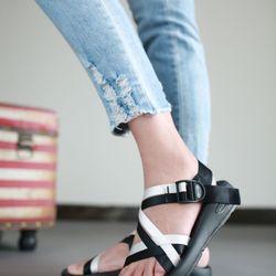 Giày sandal đẹp Nam Nữ giá sỉ