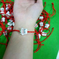 dây đỏ đeo tay kèm mặt mèo sứ giá sỉ 4k bao gồm dây và mặt z a l o 0 9 8 72 1 79 5 2 giá sỉ