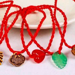 dây đỏ đeo tay kèm mặt giá sỉ 3k bao gồm dây và mặt z a l o 0 9 8 72 1 79 5 2 giá sỉ