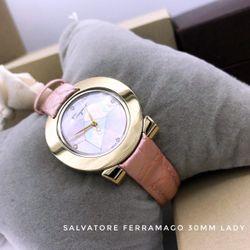 Đồng hồ nữ dây da siêu cấp mặt viền kim cương nhân tạo tuyệt đẹp giá sỉ