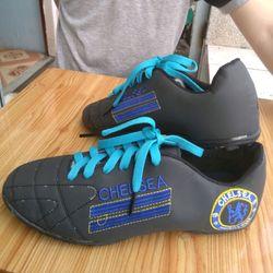 giày đá bóng Chelsea đen giá sỉ